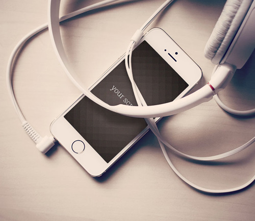 Free-Iphone5-photorealistic-mockups